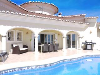 ****Villa Lirios Luxury with Sea Views (nice!)****, Moraira