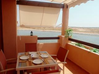 Waterfront Lake Apartment with Golf Course nearbuy, Alhama de Murcia