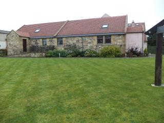 Parkley Farm Holiday Cottages Oak tree, Linlithgow