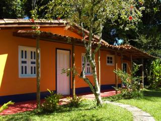Casa Cottage with kitchen Pool in the park 4 beds