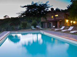 Agriturismo Montebono. Stone farmhouse with private pool at 25 km from Florence.