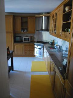 kitchen with all appliances, including dish washer and washing machine