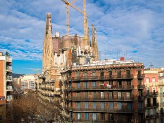 Sagrada Familia welcoming