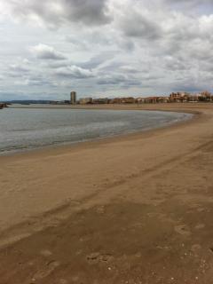 Nearby beach (800)