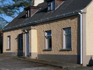 Farm Cottage - Cavan, 4 bedroom, rural, fishing, Killeshandra