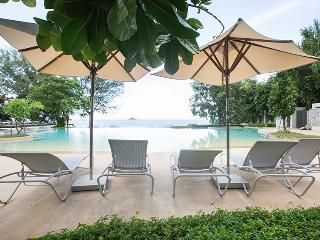 beautiful beachfront condo, Khao Tao