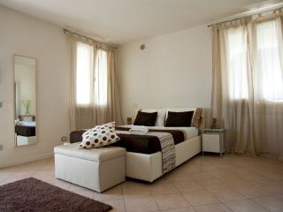 Lake Garda 2 Bedroom 2 Bathroom apartment (4), Desenzano del Garda
