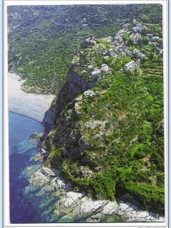 Le rocher de Nonza et la maison