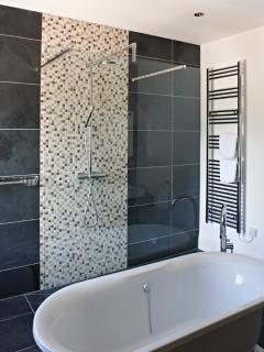 Luxury en-suite bathroom