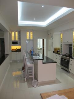 Fully equipped kitchen, with granite tops throughout house