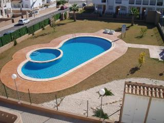 La Cinuelica R11, Ground Floor Apartment overlooking swimming pool in Los Altos