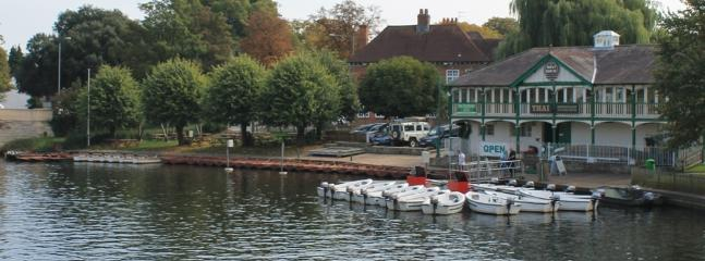 MOTOR BOATS AND ROW BOATS FOR HIRE IN THE TOWN