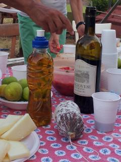 Merenda contadina con Morellino di Scansano, Pecorino Toscano dop e olio extra vergine di Oliva