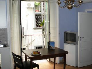 CASA CEDRONIO Appartamento Luca Giordano, Nápoles