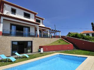 Luxury 3 bed villa with heated swimming pool, Ponta do Sol