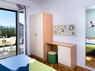 Apartment Roscic Podgora AP 3
