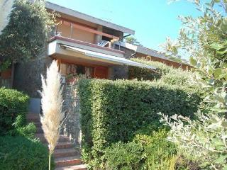 Beautiful 3 bedroom Tuscan villa with picturesque