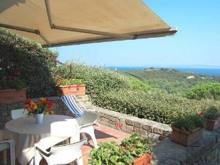 Beautiful 4 bedroom Tuscan villa with picturesque