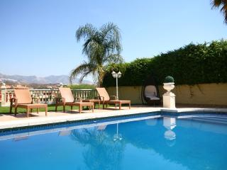 Spacious villa with private pool and garden La Cala Golf