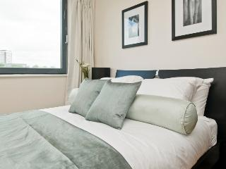 Central London 2 bed 2 bath modern Flat