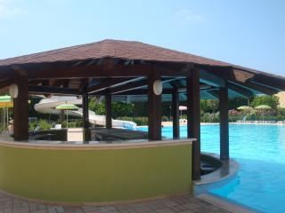 1 Bed Apartment, Pizzo Italy. WI-Fi, Pools, Beach