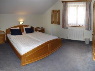 Spacious double bedroom with en-suite, fridge and tea/coffee making facilities