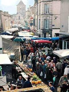 Street market at Rouillac - 27th of each month, second largest in France