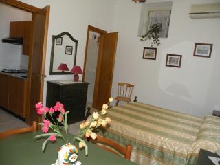 Kitchenette and en-suite bathroom
