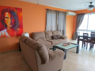 F4-12D, 3 bedroom Penthouse, Farallón (Playa Blanca)