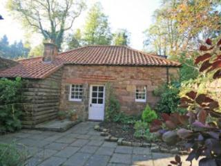 Studio Cottage, Gifford, with golf nearby.