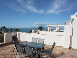 Beachfront top floor apartment, La Azohia