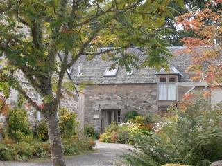 Dunkeld Holidays. 3 cottages., Birnam