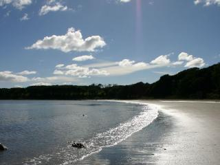 3 mins walk to Rigg Bay, a private sandy beach; time it well and you could be the only people there.