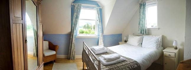 Double room  - bright and airy