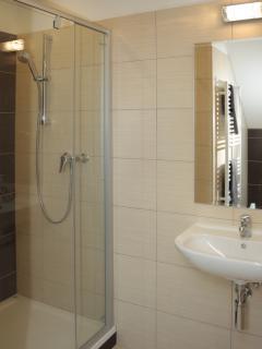Upstairs double en suite bathoom
