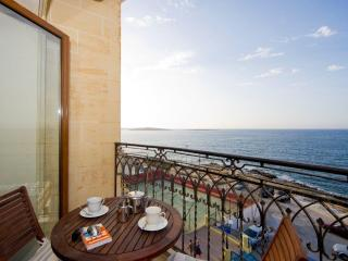 Ascot Seafront Apartment St. Paul Bay, Bugibba