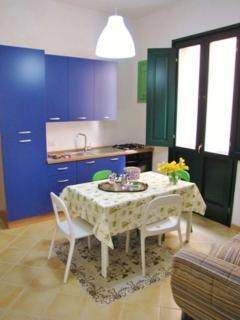 APARTMENTALBATROS - DINING ROOM AND KITCHEN