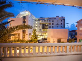 Apartment LUCI 50m from beach