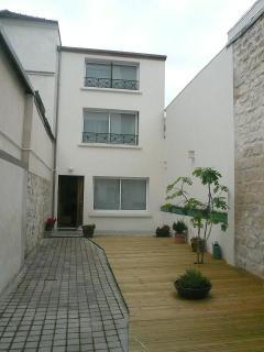 Courtyard - House