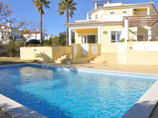 3 bed. private pool villa, Old Village area, walking distance to all amenities