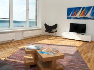 Vacation Apartment in Flensburg - 700 sqft, luxurious, bright, upgraded (# 5299), Flensbourg