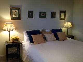 Kingsize Main double bed the best Egyptian cotton sheets and lovely pillows