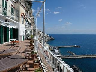 Amalfi Apartment Sleeps 6 with Air Con and WiFi - 5228993