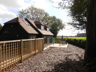 Maples Barn, detached cottage with uninterrupted views over countryside