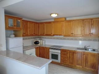 Lovely Family Size Kitchen