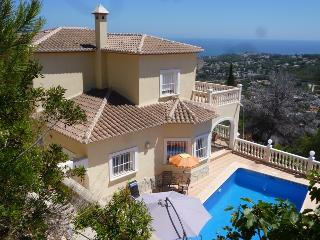 Villa Miraflores - panoramic seaview, private pool, free wifi, garden, very calm