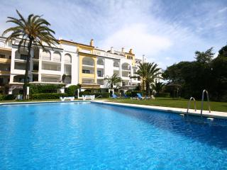 1202 - 2 bed apartment, Puerto Cabopino, Calahonda