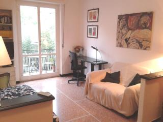 Flat with balcony near the beach and rail station, Levanto