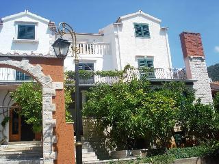 Apartment Bol in Vila Marinela