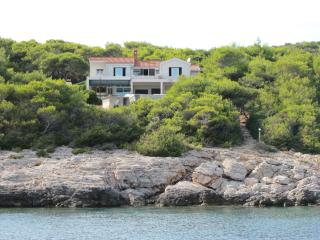 Vis-Villa from the sea